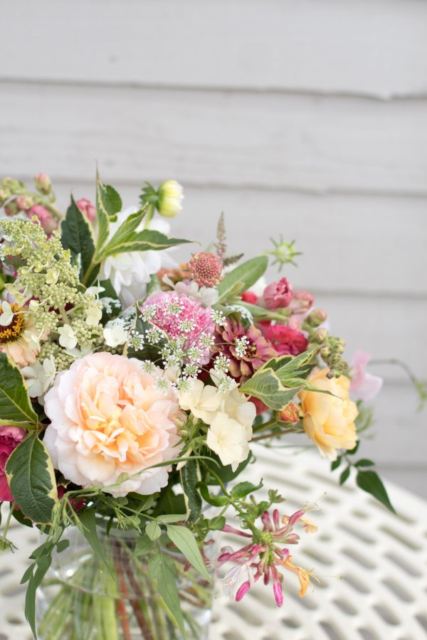 Colourful british grown flowers for your wedding in the Cotswolds