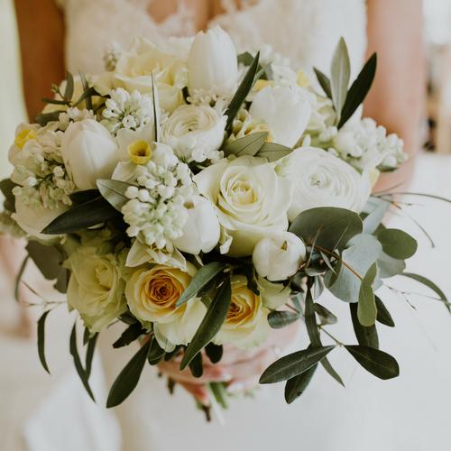 Spring wedding at Kingscote Barn