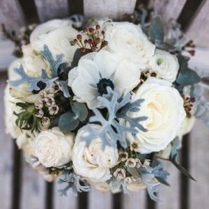 Winter brides bouquet